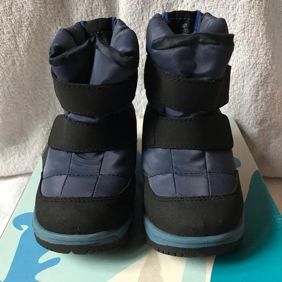 0026e4d64f9 Kamik Huggy Snow Boot, toddler size 8